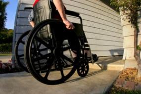Drepturile adultilor cu handicap ce traiesc in centre rezidentiale